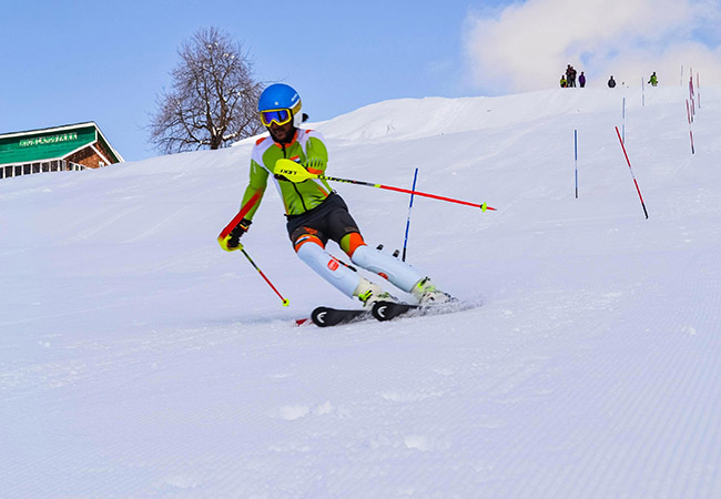 Alpine Skiing as an extreme adventure sport