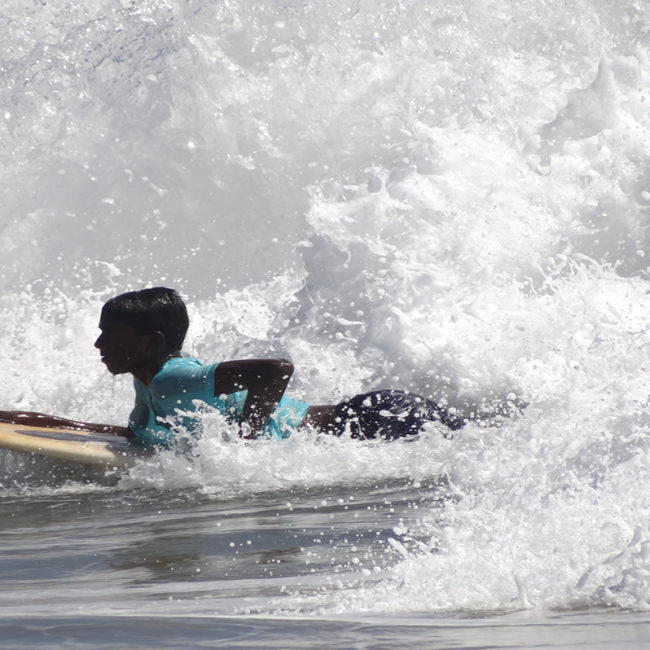 Beginner Surf lessons in Kerala