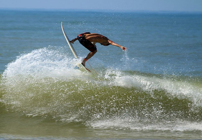 Pro-amateurs for Surfing