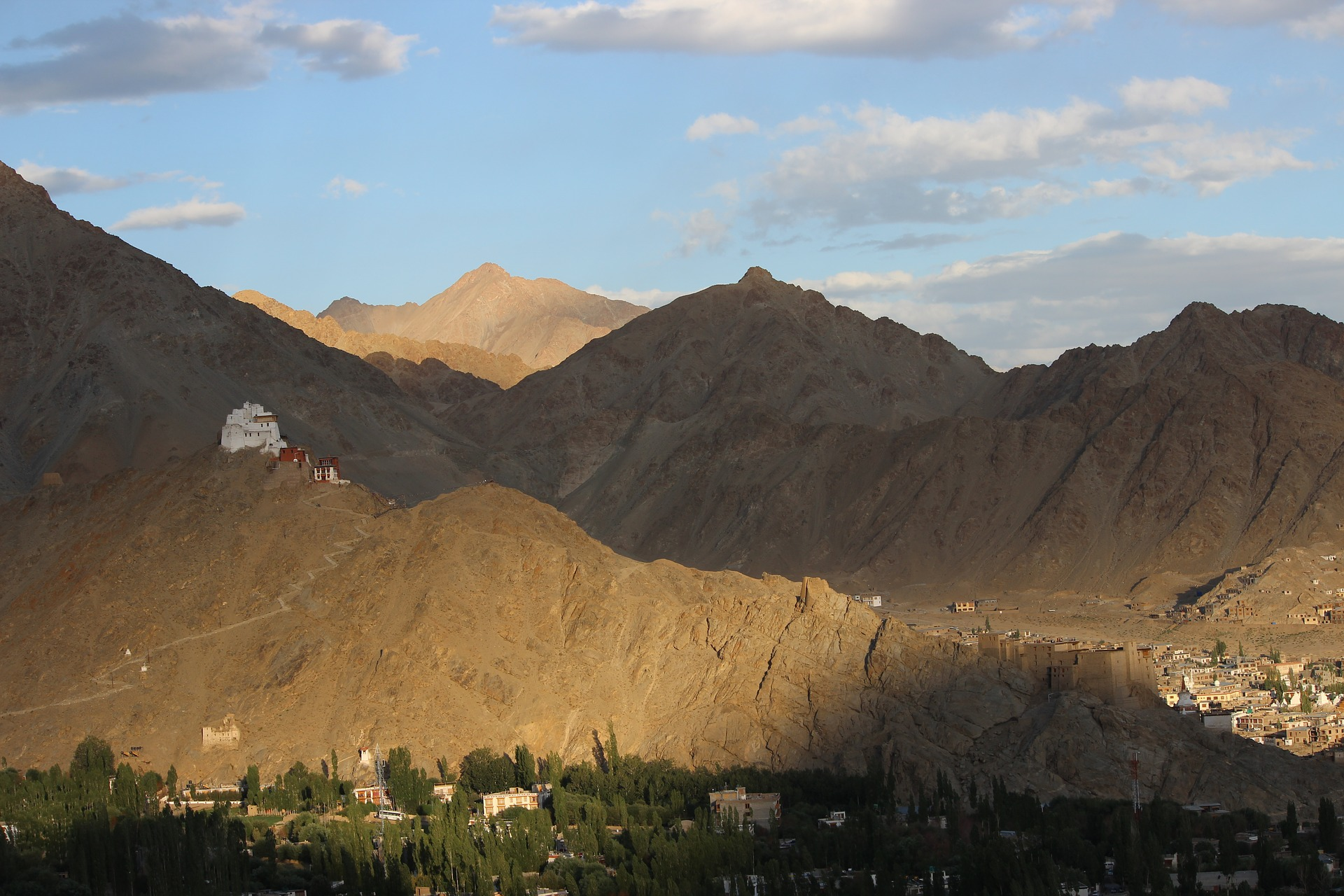 Trekking routes in Kargil